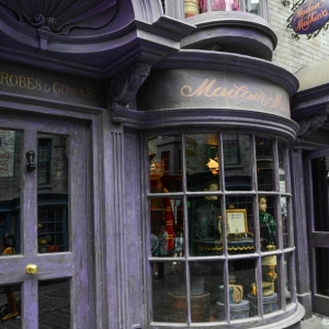 WDWINFO-Universal-Diagon-Alley-Harry-Potter-Madam-Malkins-001