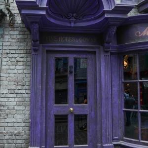 WDWINFO-Universal-Diagon-Alley-Harry-Potter-Madam-Malkins-002