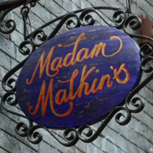 WDWINFO-Universal-Diagon-Alley-Harry-Potter-Madam-Malkins-003