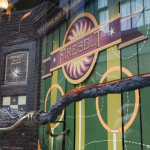 WDWINFO-Universal-Diagon-Alley-Harry-Potter-Quality-Quidditch-005