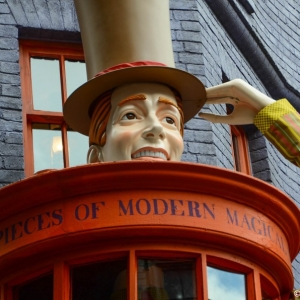 WDWINFO-Universal-Diagon-Alley-Harry-Potter-Weasleys-Wizard-Wheezes-001