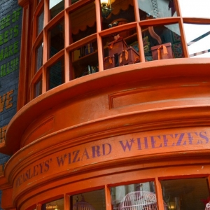 WDWINFO-Universal-Diagon-Alley-Harry-Potter-Weasleys-Wizard-Wheezes-002