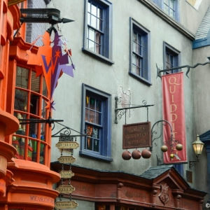 WDWINFO-Universal-Diagon-Alley-Harry-Potter-Weasleys-Wizard-Wheezes-004