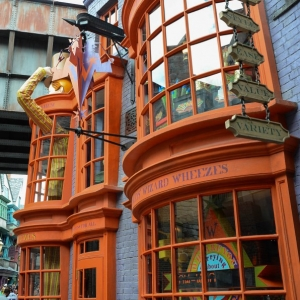 WDWINFO-Universal-Diagon-Alley-Harry-Potter-Weasleys-Wizard-Wheezes-005
