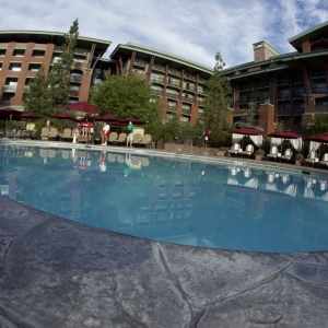 Grand-Californian-Pool-08