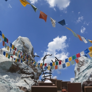 Expedition-Everest-200