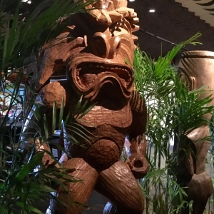 Polynesian-village-dining-01