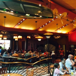 Polynesian-village-dining-07