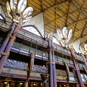 Animal-kingdom-lodge-lobby-13