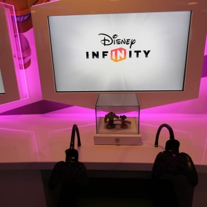 Disney-Infinity-Game-Room-012