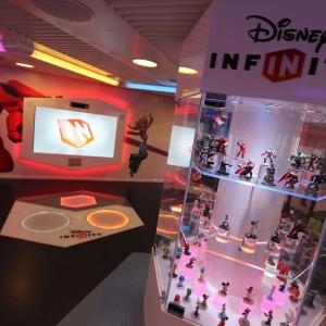Disney-Infinity-Game-Room-013