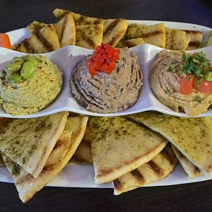 Planet-hollywood-hummus