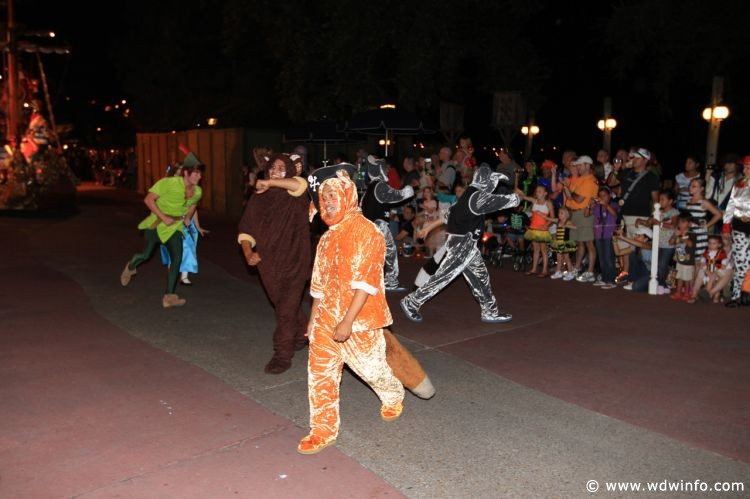 Boo-to-You_Halloween_Parade_13