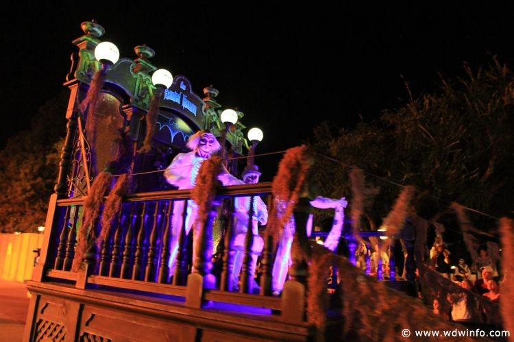 Boo-to-You_Halloween_Parade_26