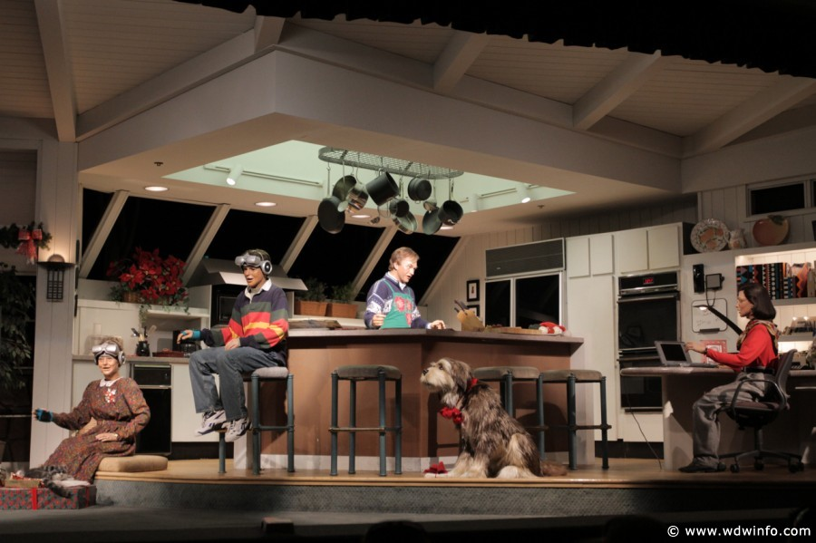 carousel of progress magic kingdom scene 4