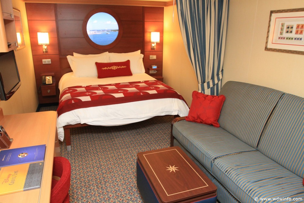 Deluxe Inside Stateroom disney dream