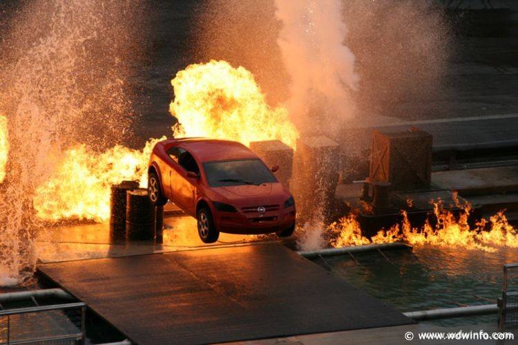 Extreme_Stunt_Show_001a