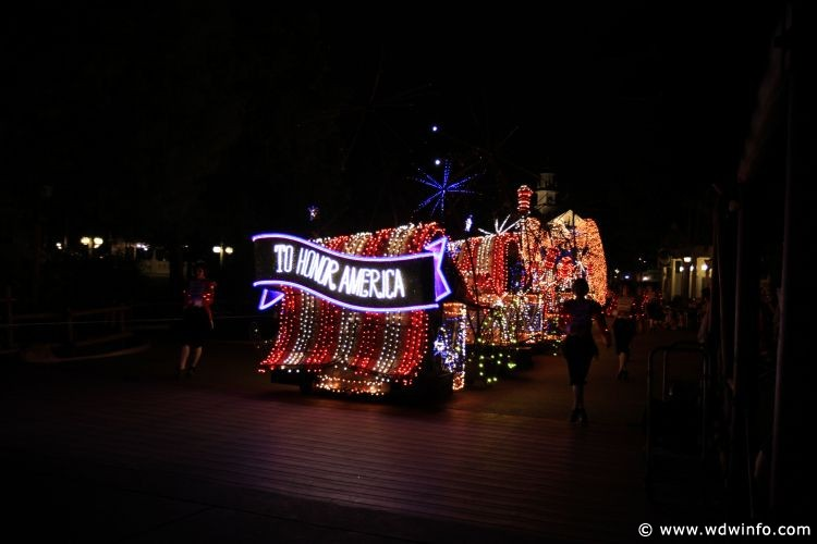 Main-Street-Electrical-Parade-89