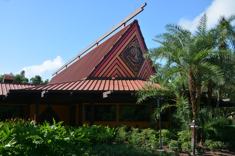 Polynesian-village-resort-11